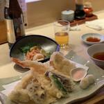 江戸前 びっくり寿司 - 天ぷら盛り合わせ