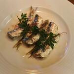 ズイジ - 季節の魚の自家製オイルサーディン