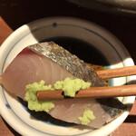 居酒屋 いかり屋 - いかり屋の刺盛り980円。サワラの炙り。大好物のタネも入って、8種類も楽しめ、大満足です(╹◡╹)