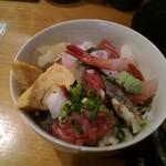 ぎょギョ魚の三太郎 - 本日のランチセット(ちらし)