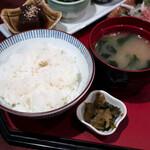 吟の蔵 - ご飯と味噌汁と漬物