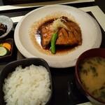 125301964 - オシツケの煮付け(1980円)+お味噌汁定食セット(450円)