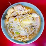 ラーメン二郎 - 料理写真:肉入り小・ニンニクあり・麺少なめ
