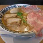 ラーメン而今 - 料理写真:特製煮干し醤油(1000円)