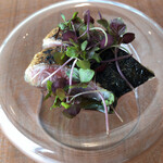 shirato - 石川の鯖と金時草             滑りのある金時草の独特の食感が楽しい