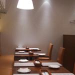 イケブクロ ラ・ベットラ・ダ・オチアイ - 店内奥の座席の様子