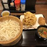 丸亀製麺 - 丸亀製麺都城店さん  釜揚げうどん.野菜天.いなり✧*。*(ˊᗜˋ*)و✧*。