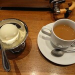 上野 太昌園 - 食後のコーヒーとアイス