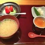 すし屋の芳国 - 料理写真:こちらはランチのセット