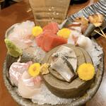 博多串焼と刺身 ココロザシ - 刺し盛り、イワシ、タコ、マグロ、真鯛、ヒラメ