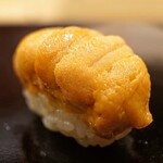 日本橋蛎殻町 すぎた - 厚岸産の馬糞雲丹