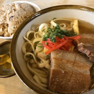 恩納そば - 料理写真: