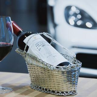 当店ならではのワイン。世界各国から厳選したこだわりのお酒。