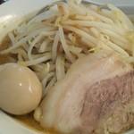 円熟屋 - 魚☆じ郎味玉らーめん750円(2012年4月現在)