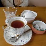 花見山珈琲工房 空と花 - 紅茶400円