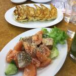 石狩亭 - ルックスから何となく味の想像が付きますが焼豚が美味いので価値高し!奥の餃子はビックリの美味さです!