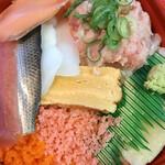 うるとら海鮮 丼丸 - 料理写真: