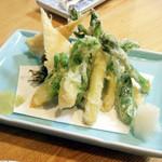 12536774 - 春野菜天ぷら(600円) たらの芽、竹の子、アスパラなど