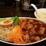 石庫門 - 卵スープも付きます。お味は食事の邪魔をしない、ごく普通の、飲みやすいものです