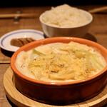 餃子とスパークリング バブルス - 炊き餃子と波へいのオデン出汁で炊いたご飯