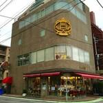 125365984 - 福岡の住宅街に立地