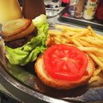 どぶ板食堂 Perry - ヨコスカネイビーバーガー クォーターのポテト&ドリンクセット