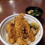 天ぷら酒場 なりた - 天丼(850円)