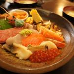 寿司処 旬 - 豪華すぎる海鮮丼