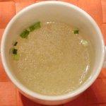赤坂 大人のハンバーグ - ハンバーグランチ(200g) 1280円 の牛エキスのスープ
