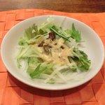 赤坂 大人のハンバーグ - ハンバーグランチ(200g) 1280円 のサラダ