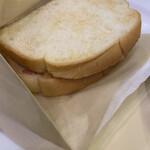 Dotorukohishoppu - 3種のチーズとベーコン・エッグ