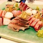米・肴・旬菜 八 - 刺身盛り合わせ