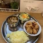 125388876 - チキンムガール辛口 ライス小+バラカリ
