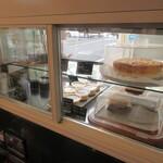自家焙煎珈琲工房 ロッシュ - ケーキは自家製です♪