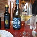 生パスタ専門店 レヴァーロ - 白ワイン