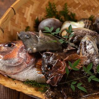 淡路直送の引き締まった鮮魚を堪能!生・焼・揚・煮をご用意♪