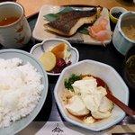 鈴波 - 鈴波定食(寄せ豆腐付き)