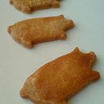 うふ - クッキー(コブタ)三匹で 100円
