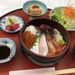 日本料理 かづみ野 - 料理写真:自慢の海鮮丼御膳