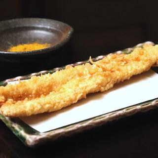 【江戸前天ぷら】国内最高級の胡麻油を使用し、季節を包み込む