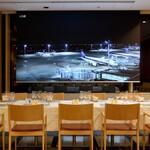 フライヤーズテーブル - 大型スクリーン設置の個室