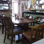 味楽食堂 - テーブル席