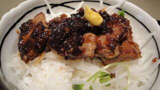 銀座 佐藤養助 - 牛肉丼のアップ