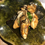 お燗 やまなか - 牡蠣を焼いてました。。。