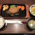 季楽 - 料理写真:ハンバーグランチ=500円 税込 ※ランチタイム20食限定