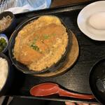 125441646 - 本日のランチ かつ煮定食
