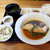マルトモ水産 鮮魚市場 - 料理写真:煮魚定食