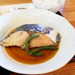 マルトモ水産 鮮魚市場 - 煮魚は鰆でした。