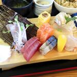 マルトモ水産 鮮魚市場 - 刺身盛合わせ