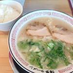 博多ラーメン 片岡屋 - 料理写真: